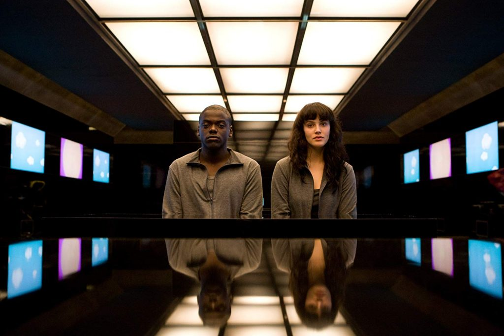 Daniel Kaluuya et Jessica Brown Findlay - Black Mirror - Fifteen Million Merits - ©Giles Keyte